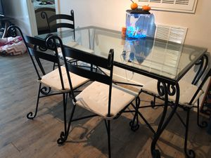 Dining Table (glass) for Sale in Tampa, FL