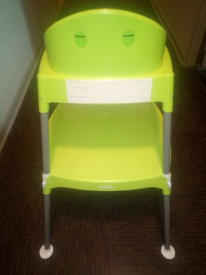High chair which converts to chair and table for Sale in Chicago, IL