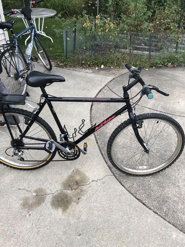 Rock Hopper specialized mountain bike26'