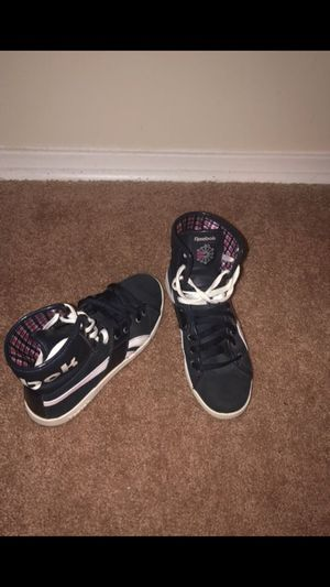 Reebok sneakers size 7 for Sale in Falls Church, VA