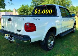 🟢💲1,OOO For sale URGENTLY this Beautiful💚2002 Ford F150 nice Family truck XLT Super Crew Cab 4-Door Runs and drives very smooth V8 Very clean🟢 for Sale in El Segundo, CA