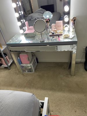 Mirrored vanity table for Sale in Hollins, VA