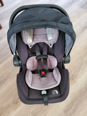 Car seat + base for Sale in Hollister, CA