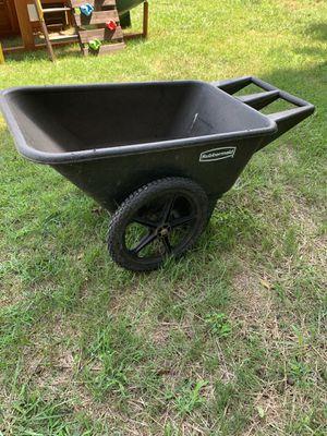 Rubbermaid wheelbarrow for Sale in Hummelstown, PA