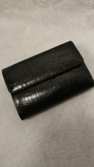 WOMAN'S WALLET for Sale in St. Louis, MO