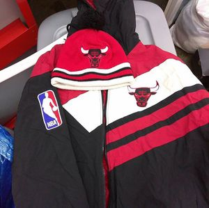 Mitchell and Ness Bulls Coat and Bulls Hat for Sale in Washington, DC