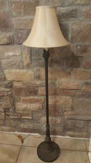 Vintage lamp for Sale in Chandler, AZ