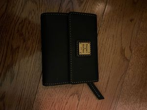 Dooney & Bourke small wallet for Sale in Baltimore, MD
