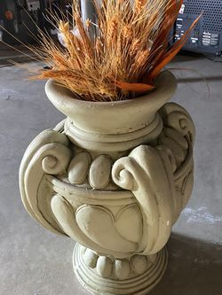 Light Green Decorative Vase for Sale in Saint Ann,  MO