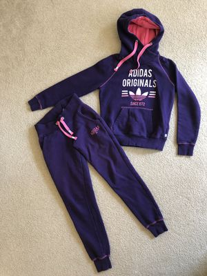 Adidas warm women's sport outfit Size Small for Sale in Bothell, WA