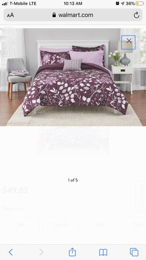 Full size purple comforter for Sale in Lancaster, CA