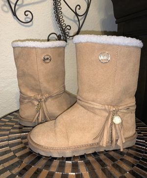 Michael Kors Girl Boots Size 2 tan excellent condition for Sale in CA, US