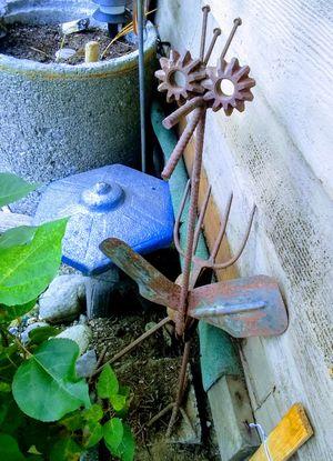 Hand made garden big bird critter for Sale in Bremerton, WA
