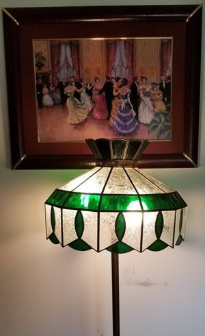 Tiffany style floor lamp with two lights for Sale in Bloomington, IL