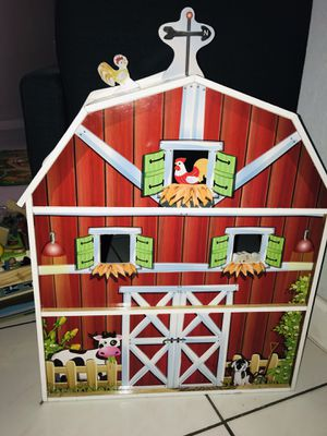 Wood Barn House Kids Toy for Sale in Miami Gardens, FL