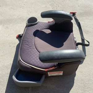 Graco Car Seat Booster Backless for Sale in Los Angeles, CA