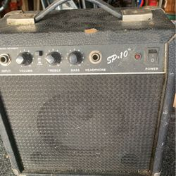 Fender Practice Amp 25.00 for Sale in Cuyahoga Heights,  OH