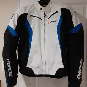 Dainese Crono Tex Armored Motorcycle Jacket Size 50(EU) for Sale in Glen Burnie, MD