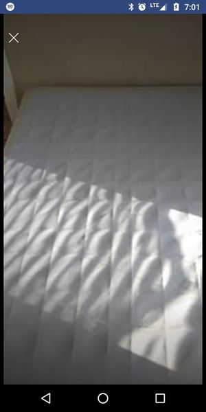 Queen size box spring and queen size frame for Sale in Hershey, NE
