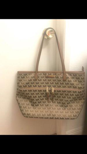 Michael Kors handbag for Sale in Pasadena, CA
