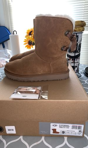 Women Ugg Boots Size 9 for Sale in Baltimore, MD