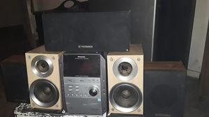 stereo system extra pioneer speakers included for Sale in Bakersfield, CA