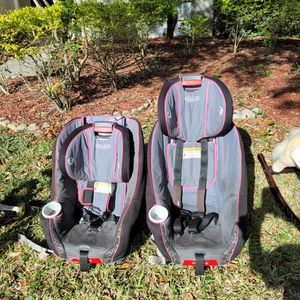 2 Car Seats Graco, Adjustable for Sale in Tampa, FL