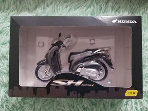 Motorcycle Scooter Honda SH125i 1/12 Scale for Sale in Anaheim, CA