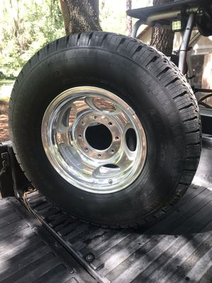 """New Ford 250 350 Excursion 16"""" Wheel and Tire for Sale in Gibsonton, FL"""