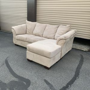 Cream Reversible Chaise Sectional - Local Delivery Available for Sale in Virginia Beach, VA