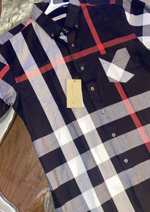 BURBERRY SHORT SLEEVE SHIRT FOR MEN for Sale in Dallas, TX
