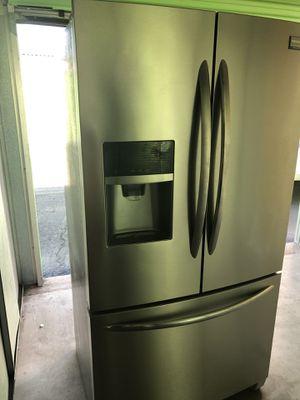 Frigidaire refrigerator for Sale in Gilbert, AZ