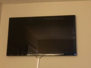 55 inch Samsung TV do not have a TV stand And is not a smart TV for Sale in Marietta, GA