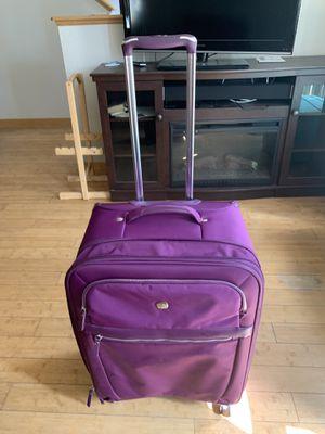 "SwissGear 24"" Purple Lightweight Spinner Luggage for Sale in Oshkosh, WI"