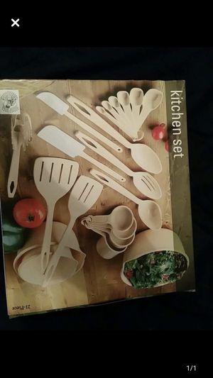 New in box kitchen set for Sale in Aurora, CO