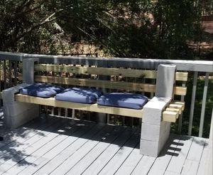 Outdoor benches (Patio furniture) for Sale in Ellenwood, GA