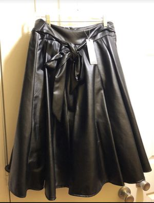 Pleather skirt never worn size L for Sale in Washington, DC