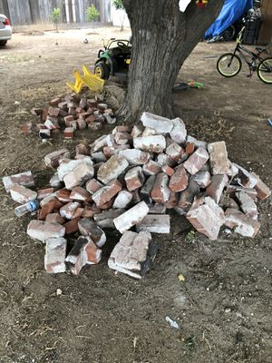 Free brick for Sale in Fresno, CA
