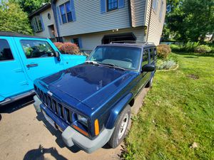 2001 jeep Cherokee sport for Sale in West Haven, CT