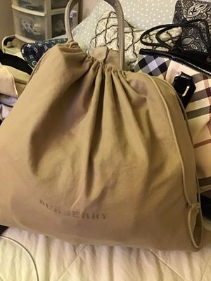 Handbag with dust bag for Sale in Las Vegas, NV