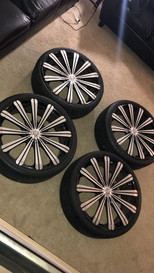 22 inch rims 5 Lug for Sale in Washington, DC