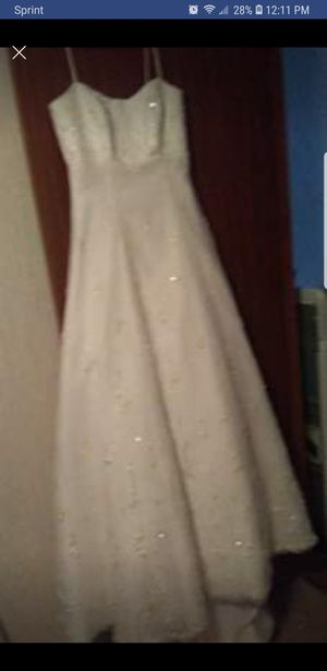 Wedding dress size 8 for Sale in Lynchburg, VA