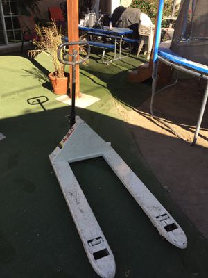 Pallet Jack for Sale in Pico Rivera, CA