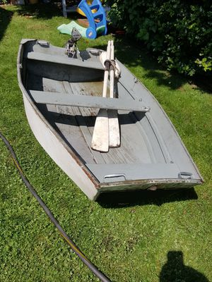 8 ft wooden boat for Sale in Renton, WA