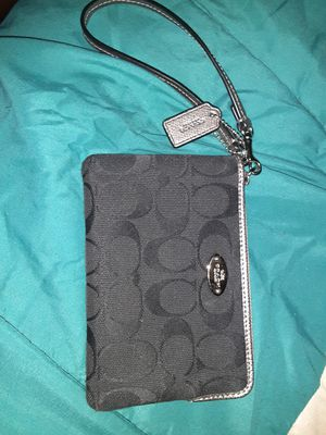 Coach wristlet for Sale in Beverly, MA