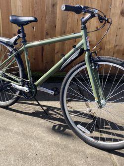 Schwinn Median city cruiser bike. Like new! for Sale in Hubbard,  OR