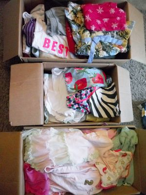 Baby girl clothing FREE. (PENDING) for Sale in Everett, WA