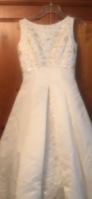 Oleg Cassini Wedding Dress size 2 for Sale in Suffolk, VA