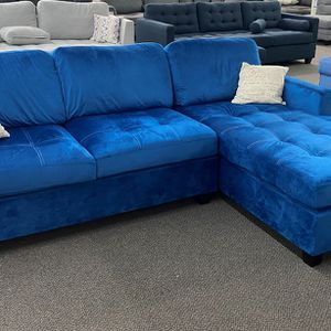 New Beautiful Navy Velvet Sectional Sofa Couch for Sale in Walnut, CA