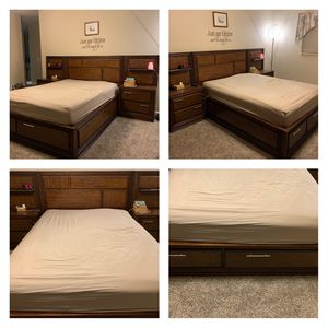 Queen bed set and mattress for Sale in Modesto, CA